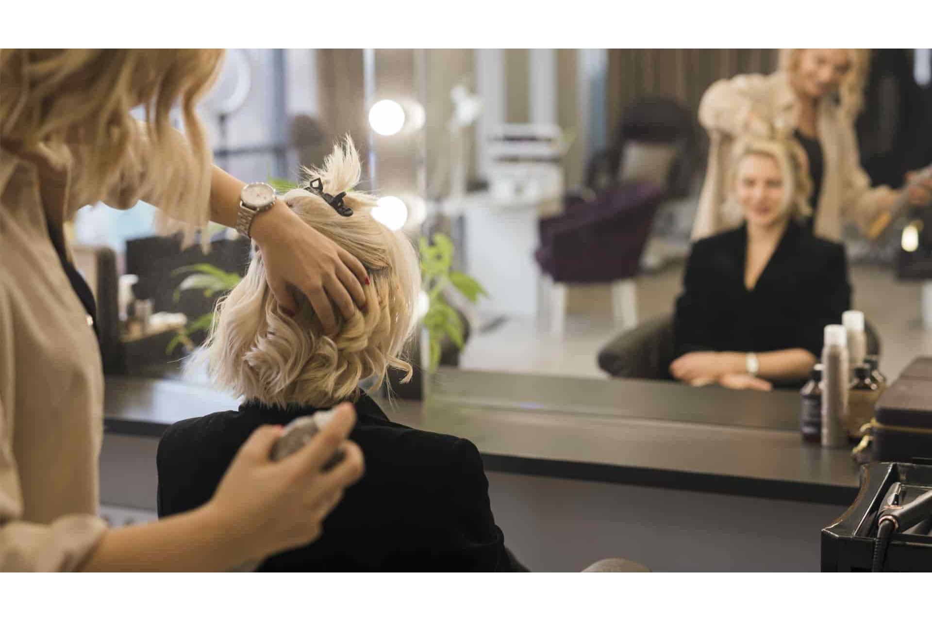 Любимчики мастеров: идеальные укладочные средства для волос